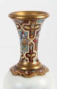Paire de petits vases en porcelaine de Sèvres 19e siècle Napoléon III