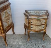 1950/70′ Commode Arbalète Et Paire De Chevets 3 Tiroirs Bois Doré Style Renaissance Italienne 124X49XH91 cm