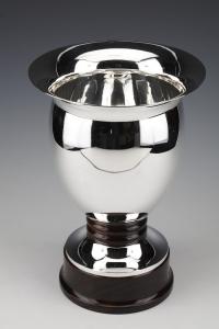 Vase en argent massif exécuté par l'orfèvre Bruxellois SIMONET