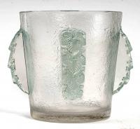 """Seau à Champagne """"Epernay"""" verre blanc patiné vert de René LALIQUE"""