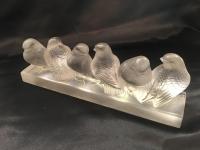 Ensemble de six moineaux sur une branche R. Lalique