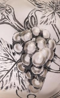 """Brûle-Parfum """"Raisins"""" verre blanc émaillé noir d'origne socle bois de René LALIQUE pour ROBJ"""