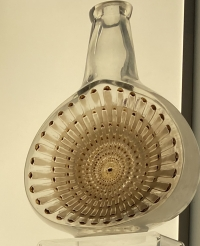 "Rene Lalique : Carafe"" Reine Marguerite"""