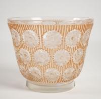 """René LALIQUE (1860-1945) Vase """" Edelweiss """"."""