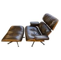 Charles et Ray Eames & Mobilier International - Lounge Chair et ottoman