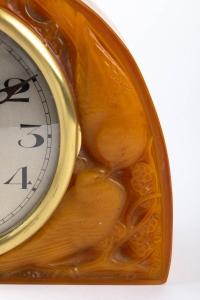 Pendule « Moineaux » verre butterscotch de René LALIQUE - mouvement électrique ATO d'origine