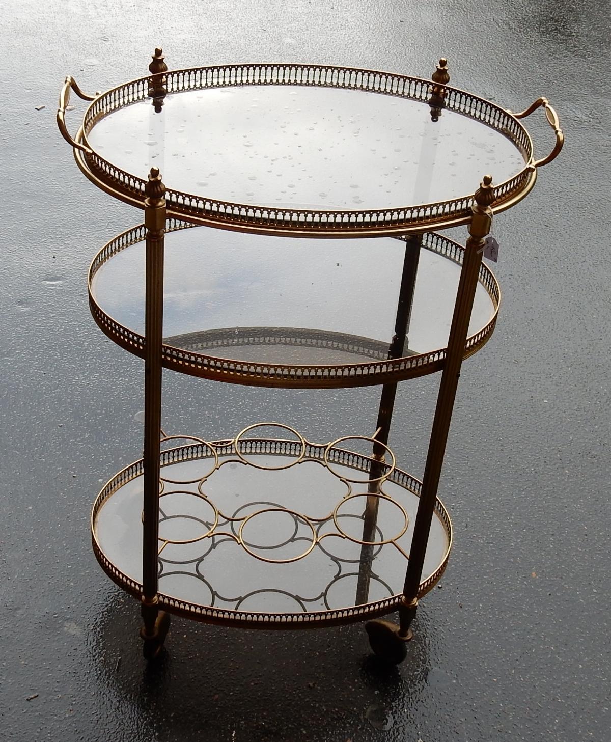 le march biron 1950 70 39 desserte roulante maison bagu s en laiton dor 3 etages. Black Bedroom Furniture Sets. Home Design Ideas