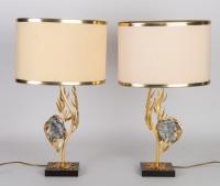 Paire de lampes de Willy DARO 1970 en laiton doré et célestine
