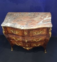 Commode d'époque Louis XV estampillée Pierre Roussel