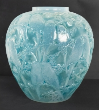 """René Lalique Opalescent Vase """"Perruches"""""""