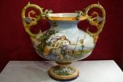 Grand Vase italien Renaissance dans le style Nivernais