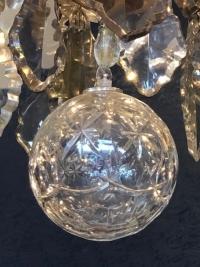 Très beau et important lustre de style Louis XV à six bras de lumière.
