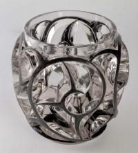 """Vase """"Tourbillons"""" verre blanc émaillé noir d'origine de René LALIQUE"""