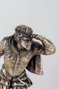 Paire de sculptures en bronze argenté du 19e siècle