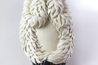 Valérie Courtet, Sculpture pélican en grès émaillé, travail contemporain