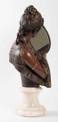Statue Elegante Au Miroir