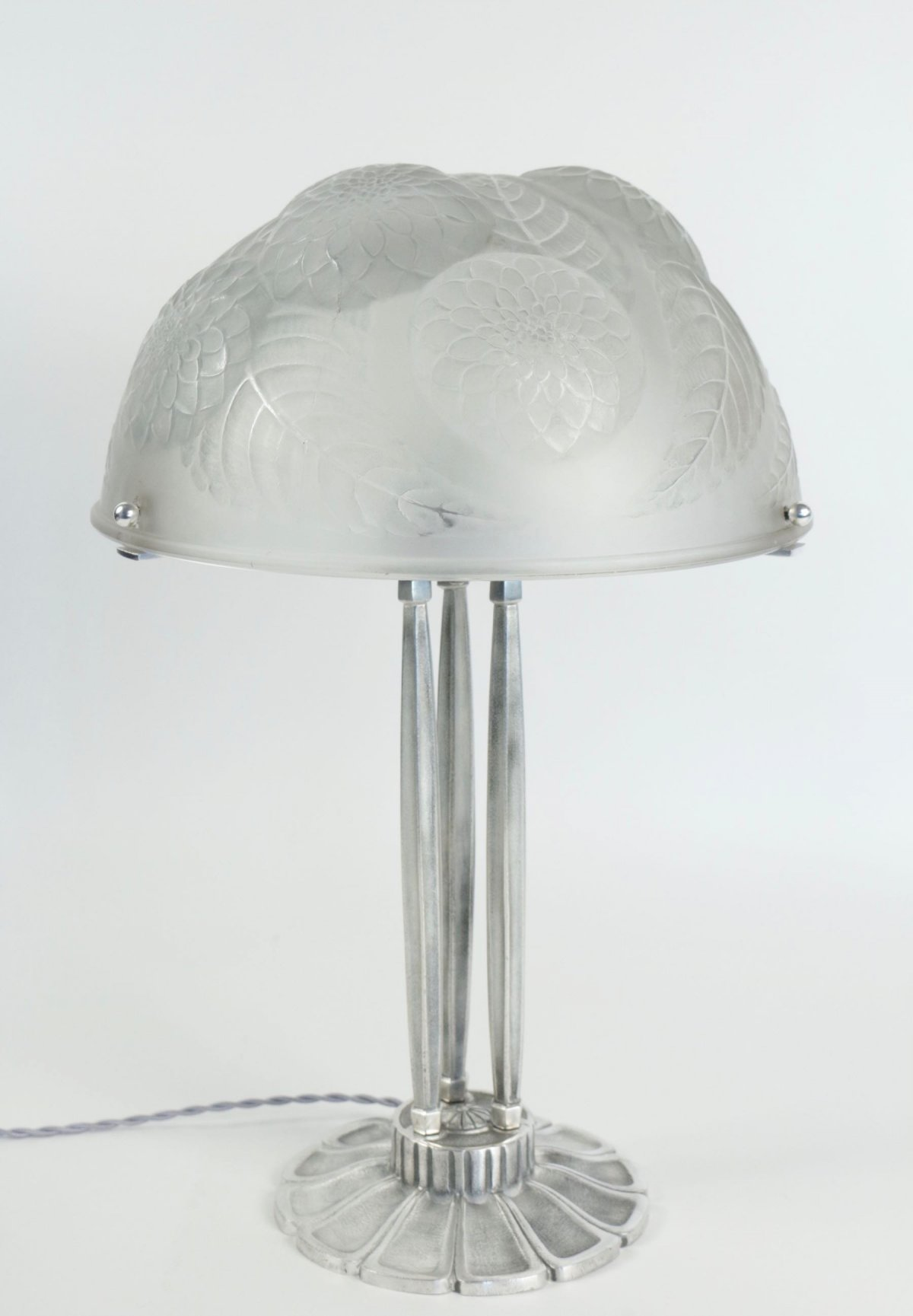 "René Lalique ""Dalhias"" Table Lamp on Silver Bronze Base"