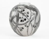 """René Lalique Vase """"Baies"""" Emaillé Noir"""