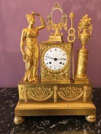 Pendule En Bronze Doré D'epoque Empire