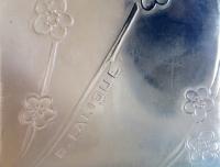 LALIQUE René Pendule  « DEUX COLOMBES » Opalescente