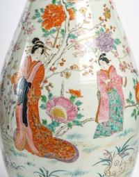 Paire de grands vases japonais, ère Meiji, circa 1900