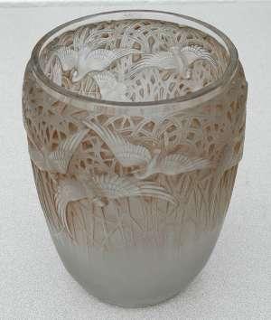 RENE LALIQUE (1860-1945) Paire de vases Aigrettes