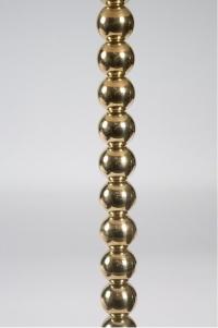 Paire de lampadaires perles en boule de laiton massif.