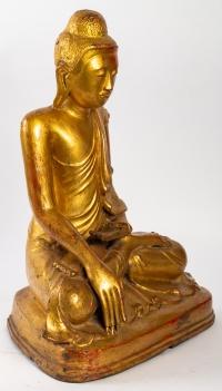 Bouddha assis en bronze doré, position de la prise de la terre à témoin
