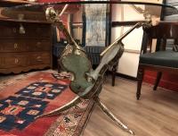 Table aux trois violons bronze et verre pilé