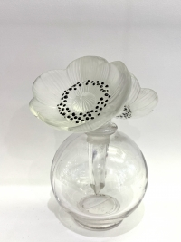 """Original Flacon """"Vase Deux Anémones"""" verre blanc émaillé noir de René LALIQUE"""