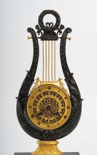 Pendule en bronze, XIXème