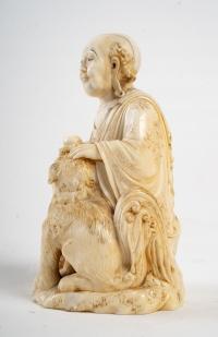 Okimono en ivoire d'un Arhat