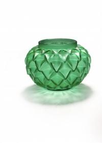 """Lalique France vase """"Languedoc """" Teinté Vert"""