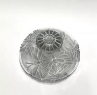 """Flacon """"Misti"""" en verre blanc patiné bleu de René LALIQUE pour L.T PIVER"""