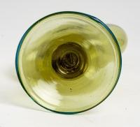 Vase vénitien, couleur vert absinthe, fin XVIIIème / début XIXème