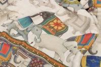 Ensemble Plaid et Coussin en lin à décor d'Éléphants