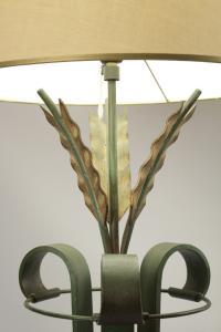 lampadaire en fer forgé des années 1940.