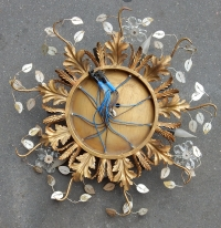 1970' Plafonnier à Décor de Fleurs et Feuilles en Métal Doré Style Maison Bagués