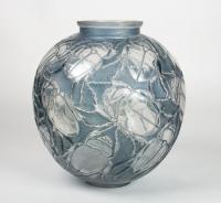René LALIQUE (1860 1945) Vase Gros scarabée (1923)