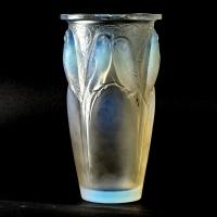 """Vase """"Ceylan"""" verre opalescent de René LALIQUE"""