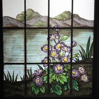 Paire de vitraux aux capucines signés Champigneulle