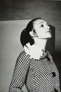 Fashion In Black And White By The Photographer Robert Jean Chapuis, Paris, Unsigned. C 1960.