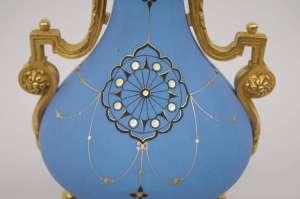 Paire de lampes en porcelaine de Paris, bleu mat, circa 1880